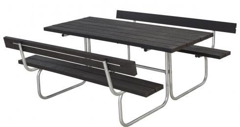 """CLASSIQUE Outdoor-Sitzgruppe, super pflegeleicht: schwarzes """"Holz"""" aus recyceltem Kunststoff"""