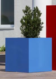 Cubus - leichtes Pflanzgefäß aus Fiberglas-Kunststoff, in 213 RAL-Farben. Wir fertigen in Ihrer Lieblingsfarbe!