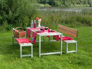 Moderne Outdoor-Sitzgarnitur Planken, Holz massiv naturfarben, ähnlich einer Biertischgarnitur