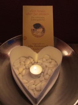 Schale in Herzform, auch als Vase oder Übertopf, für  indoor und outdoor Weiß