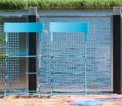 Sichtschutz aus Glas CUBIC, zum Bau einer Sichtschutz-Wand, auch als Zaun-Element