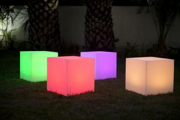 Leuchtwürfel CARRY Outdoor, LED-Farbwechsel, Leuchtkubus für den Garten, drei Größen