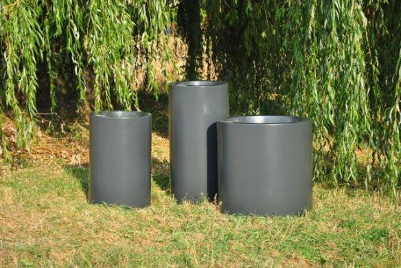 Pflanzgefäß CYLINDRUS, erhältlich in 8 Größen und Ihrer Wunschfarbe! Frostsicher, leicht und stabil.