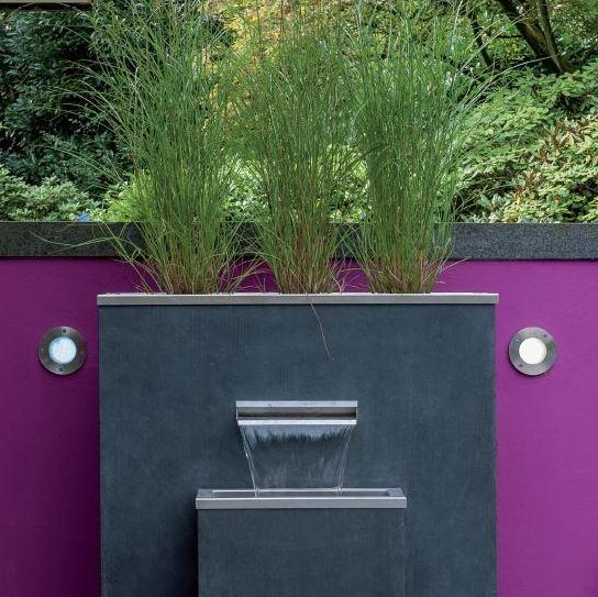Puristischer Gartenbrunnen, Komplett Montiert, Kann Mit Sichschutz Element  Aus Fiberglas Kombiniert Werden