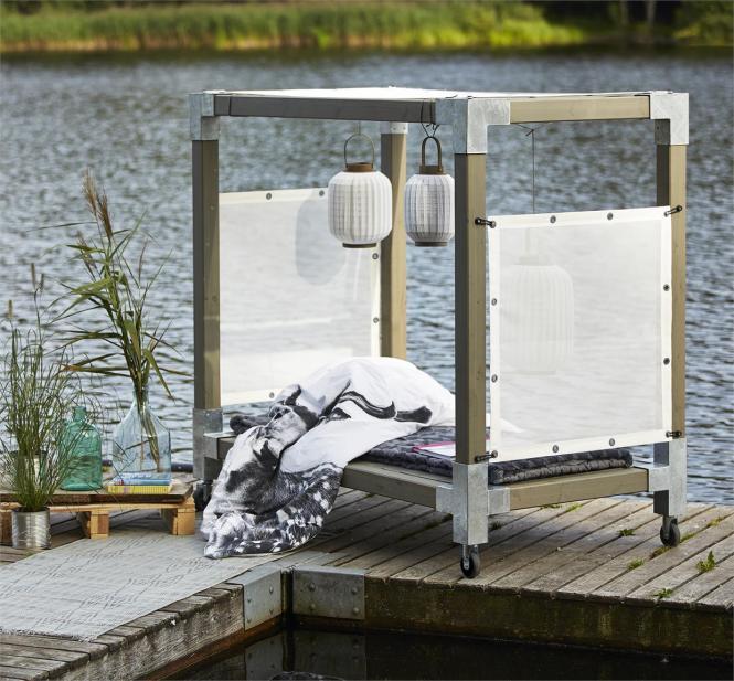 garten im quadrat himmelbett cubic mit baldachin gartenbett mit dach holz graubraun taupe. Black Bedroom Furniture Sets. Home Design Ideas