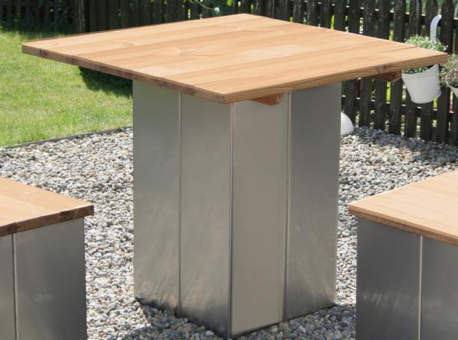 garten im quadrat garten tisch aus edelstahl und holz modern puristisch. Black Bedroom Furniture Sets. Home Design Ideas