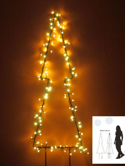 Weihnachtsbeleuchtung Für Balkon Aussen.Garten Im Quadrat Weihnachtsbeleuchtung Außen Tannen Silhouette