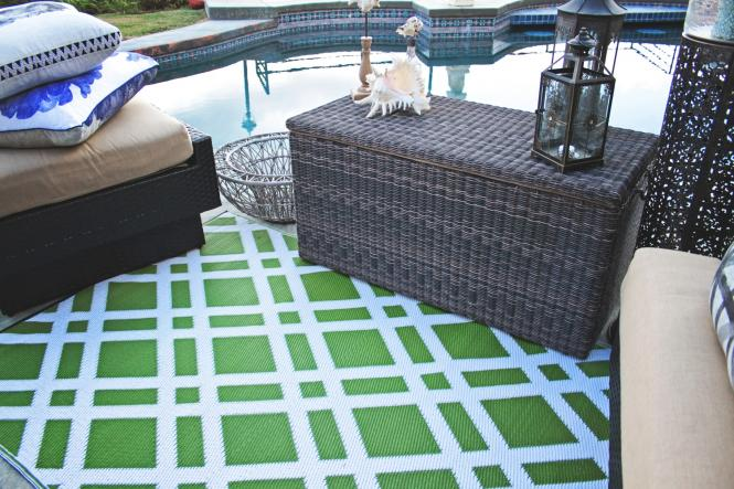 garten im quadrat outdoor teppich dublin gr n wei. Black Bedroom Furniture Sets. Home Design Ideas
