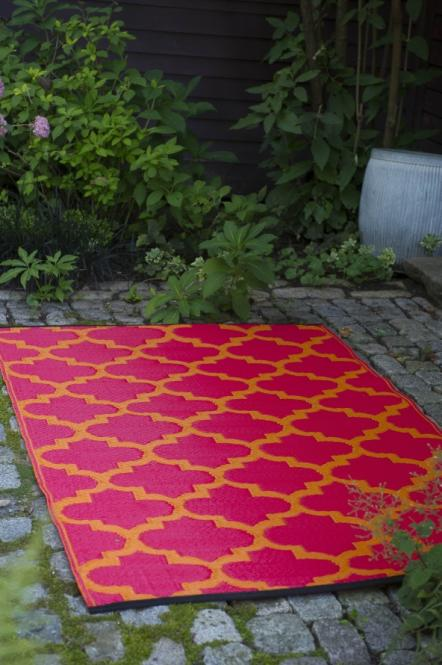 garten im quadrat outdoor teppich tangier rot orange ornamente. Black Bedroom Furniture Sets. Home Design Ideas