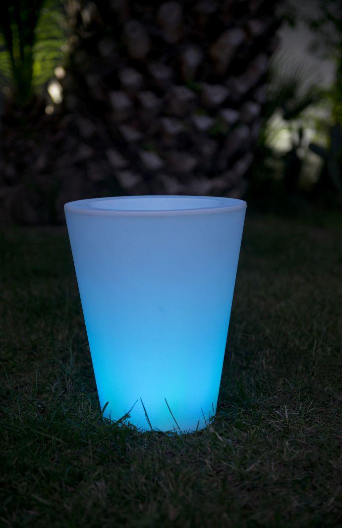 Garten im Quadrat | Beleuchteter Pflanzkübel COSMY outdoor, LED ...