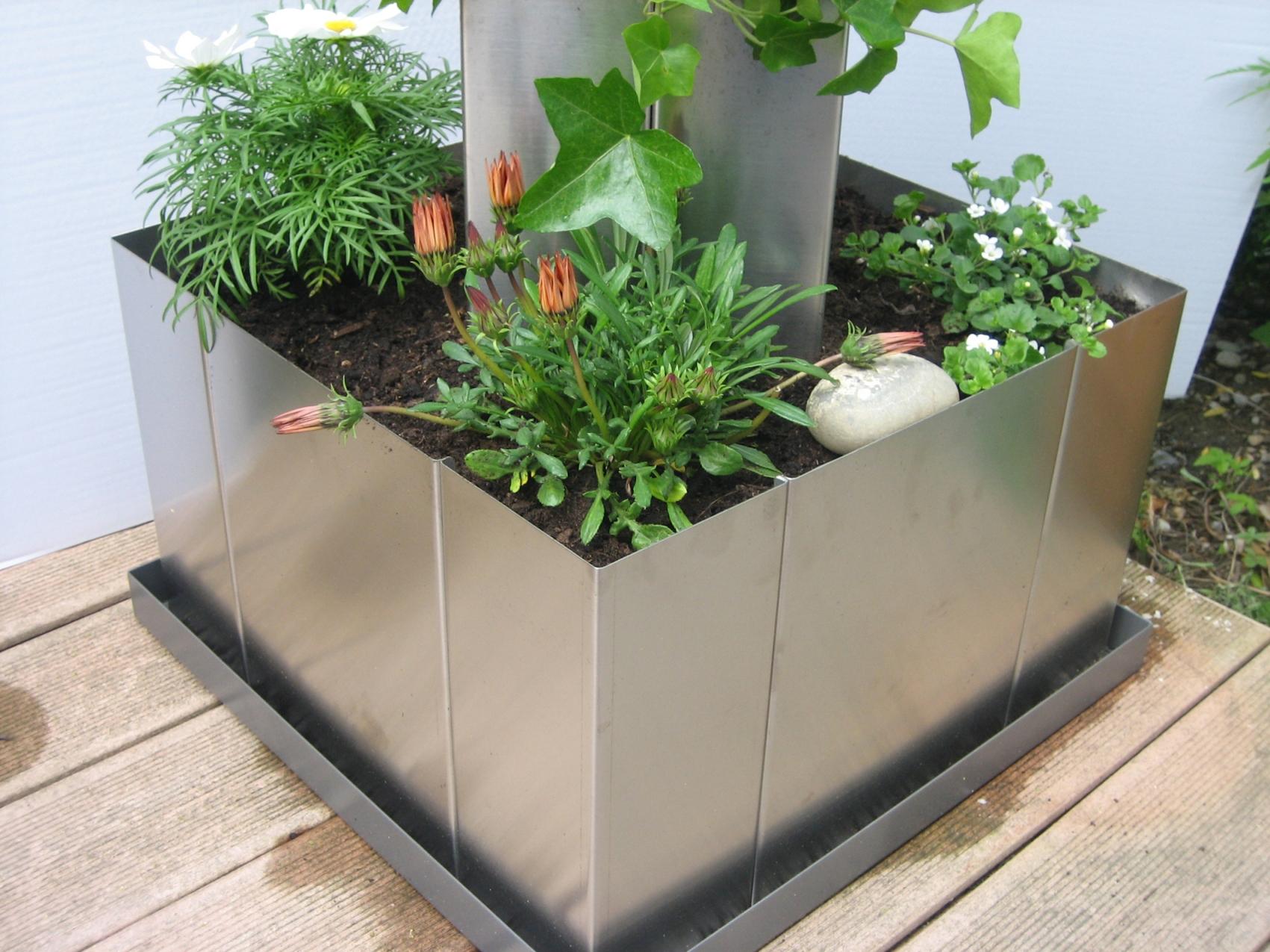 garten im quadrat hochbeet mit boden pflanzgef mit innens ule edelstahl bausatz. Black Bedroom Furniture Sets. Home Design Ideas