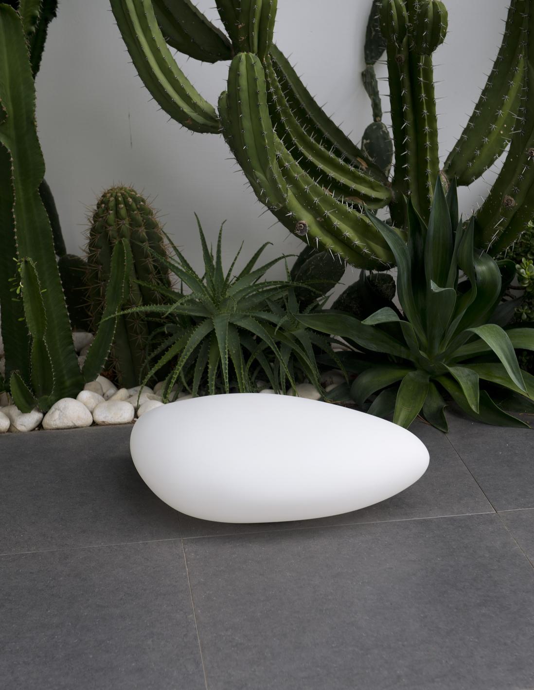 garten im quadrat gartenleuchte stone outdoor. Black Bedroom Furniture Sets. Home Design Ideas