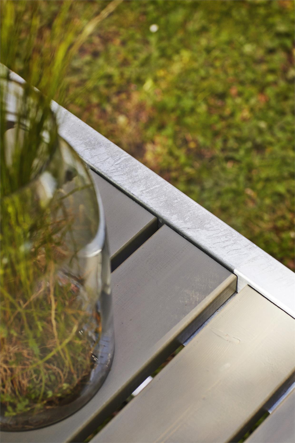 garten im quadrat moderne outdoor sitzgarnitur planken holz massiv graubraun taupe hnlich. Black Bedroom Furniture Sets. Home Design Ideas