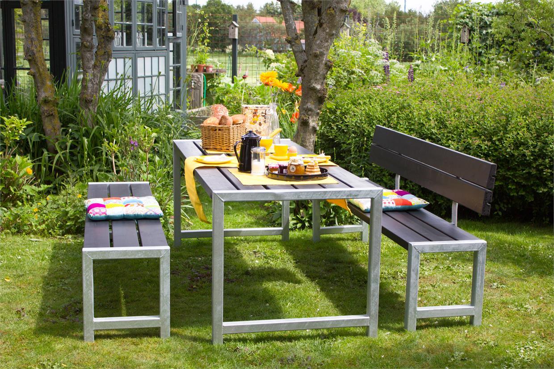 garten im quadrat moderne outdoor sitzgarnitur planken holz massiv schwarz hnlich einer. Black Bedroom Furniture Sets. Home Design Ideas